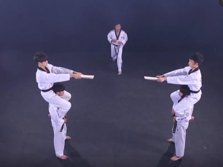 【跆拳道教学】旋转360旋风踢
